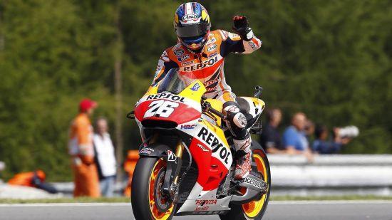 14年MotoGP捷克站佩特罗萨获得冠军
