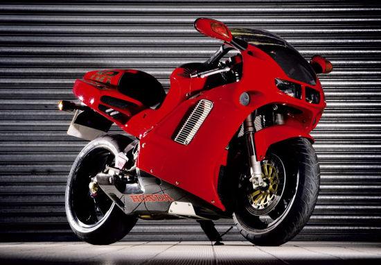 日本国宝级摩托车椭圆活塞8气门的NR750
