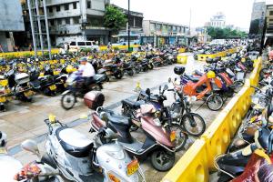 禅桂新限摩区――摩托车的最后时光