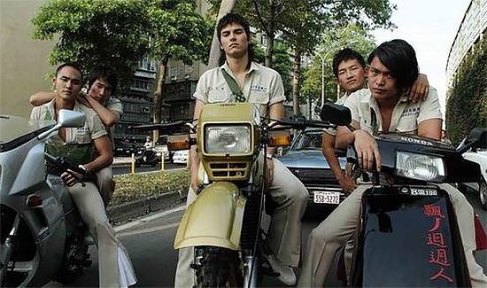 为什么台湾有那么多摩托车?而我们……