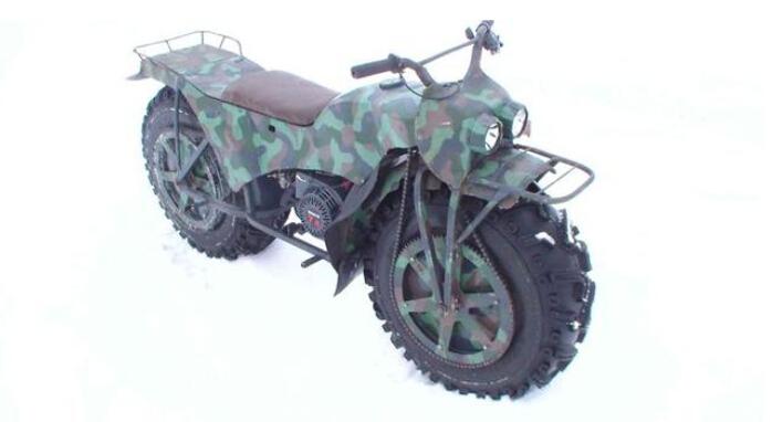 战斗民族的超强便携摩托车前后轮双驱动
