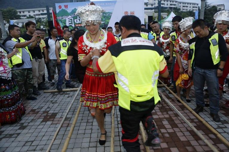 GW250自由之旅DAY21:贵州大会师,体验篝火晚会