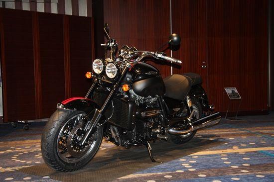 2300cc摩托车凯旋Rocket3Roadster