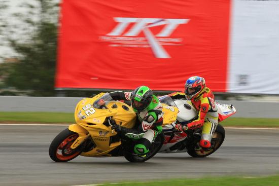 泛珠秋季赛超级摩托车组第一场:两次红旗意外不断