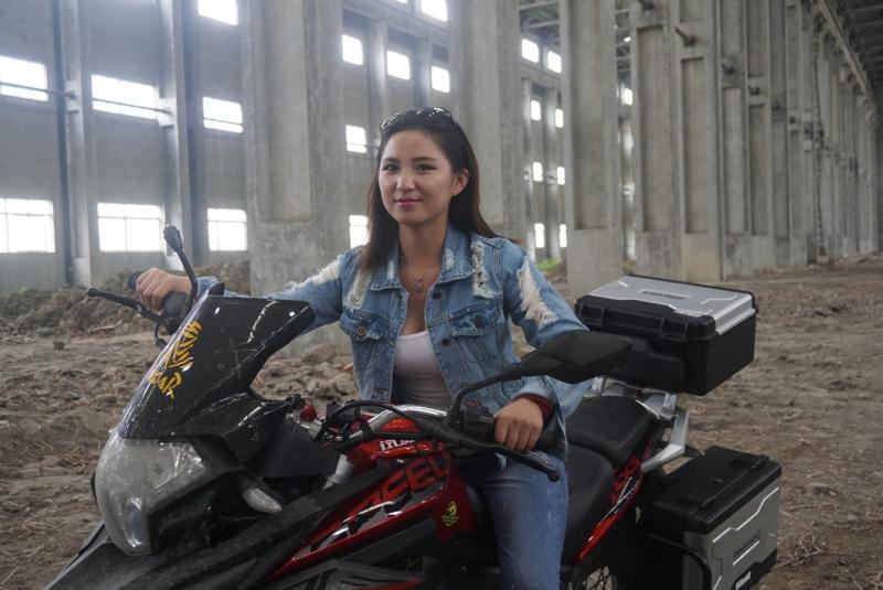 RX3和美女,雨季,工厂