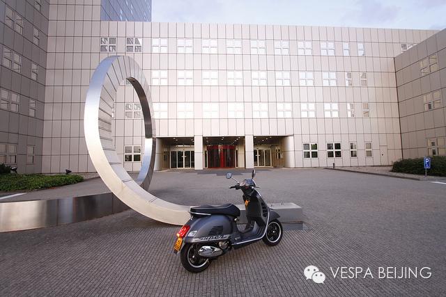 Vespa家族系列:GTS300Super