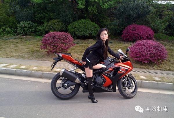 美女骑摩托车 也可以很酷