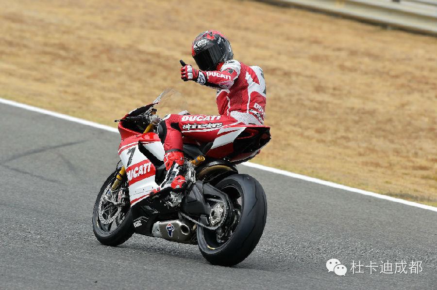杜卡迪SBK车队西班牙赫雷斯赛道重返奖台