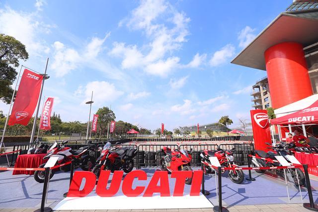 2014年度冠军赛车嘉年华中的声色杜卡迪