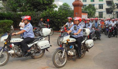 水清镇免费发放摩托车头盔
