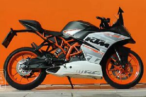 2015 KTM RC390 摩托车测评