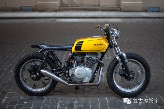 YAMAHA复古摩托车XS400