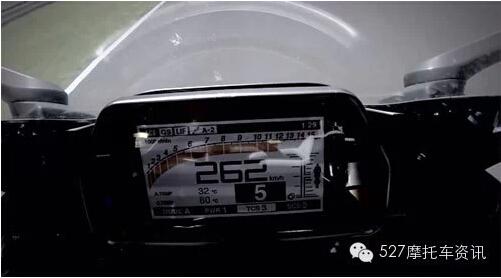 雅马哈全新YZF-R1配备液晶仪表盘