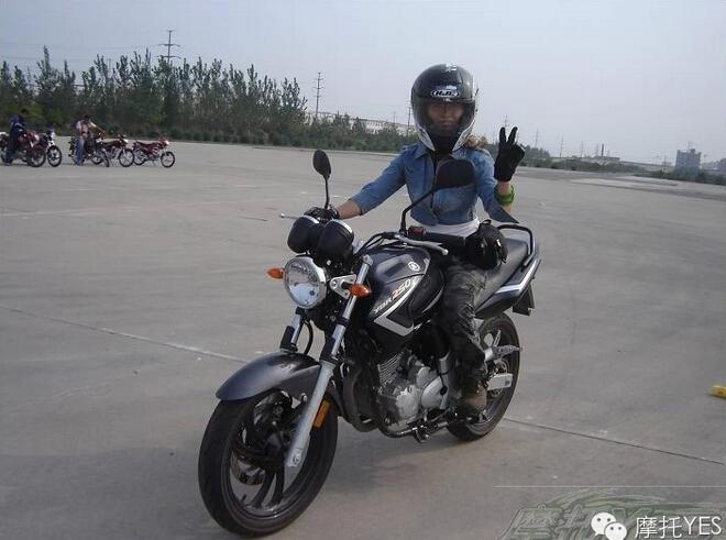 贵州】荔波之旅途中就�@�c��力�崧址�试骑摩托车