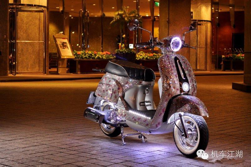 流光溢彩踏板摩托��艄�麸�的改�b!