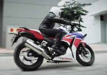为热爱而来,本田CBR300R三色版强袭摩博会!
