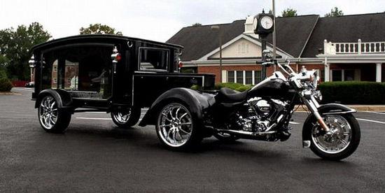 美国殡仪馆推出哈雷灵车送葬服务