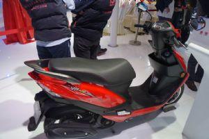 VN100HJ100T-62014摩博会HJ100T-6(VN100)(5张)
