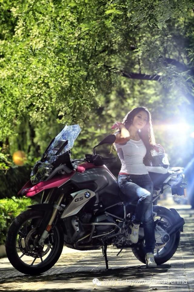 爱骑车的女汉子劳拉和她的宝马GS