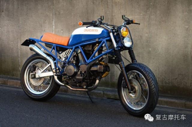 杜卡迪复古摩托车改装头灯是亮点