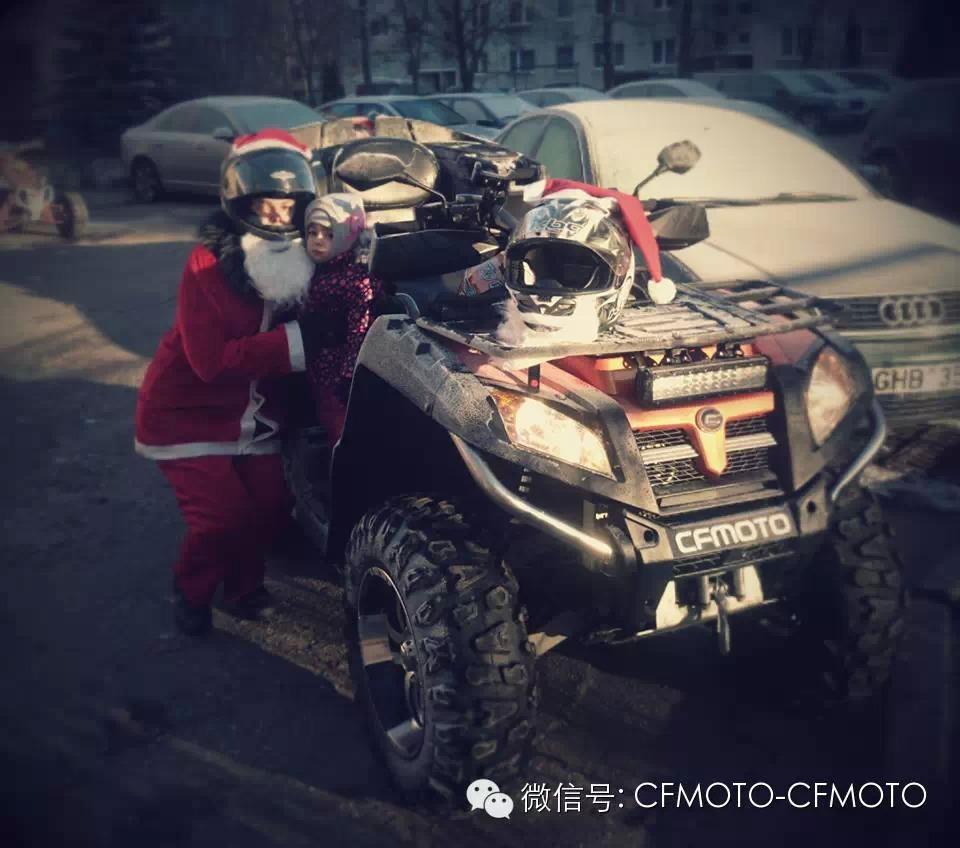 圣诞老人开春风ATV亮相街头