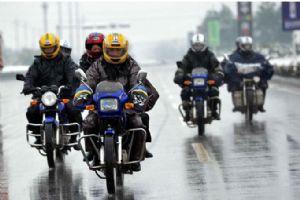 往年摩托车返乡大军图片
