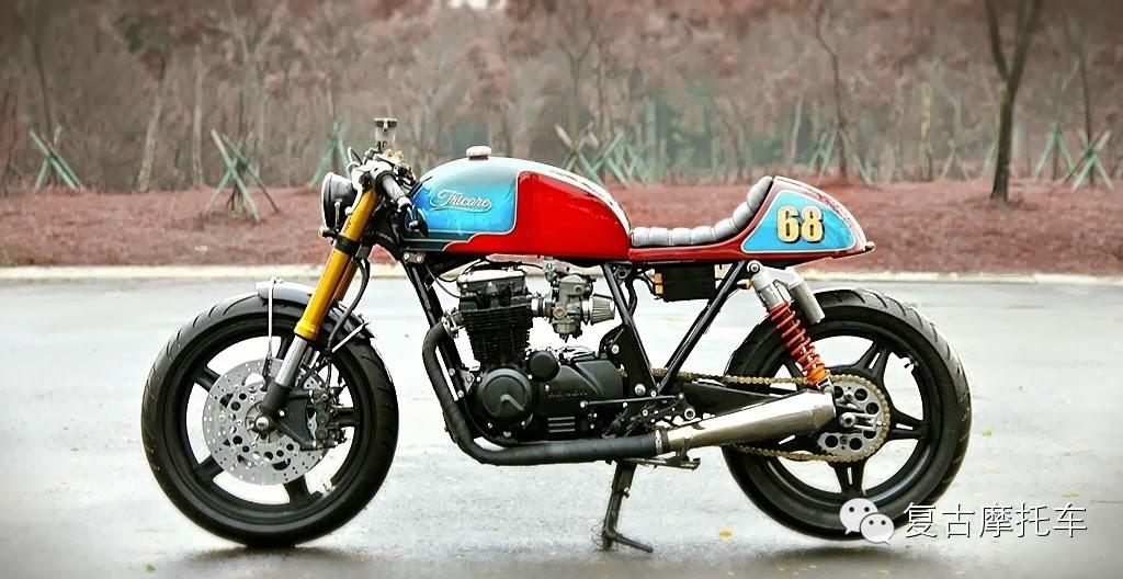 冬日里的一抹亮色本田摩托车CB650