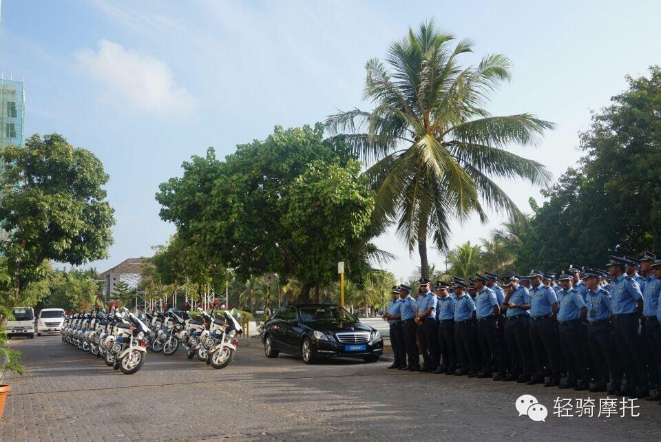 驶向马尔代夫的150辆轻骑警用摩托车