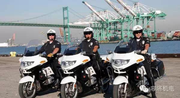 世界警察都开什么类型黄金城?