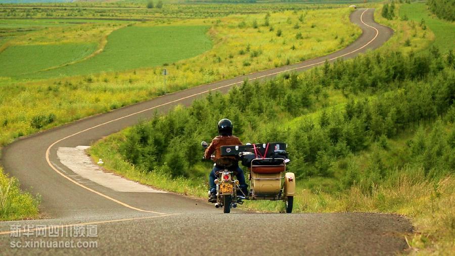 四川小伙骑摩托环球旅行央视将播出纪录片