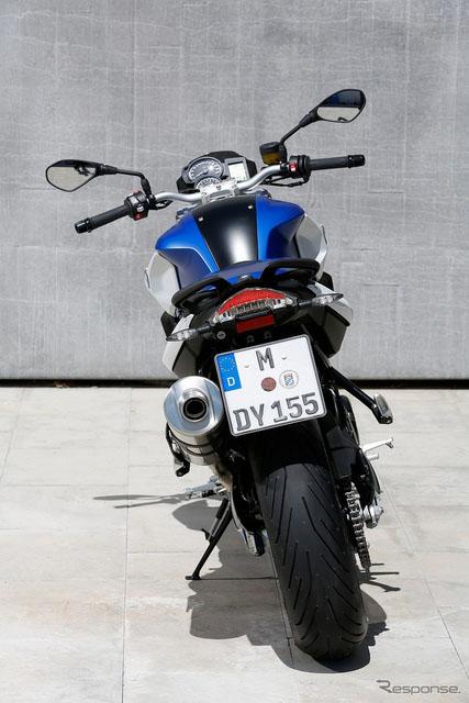 BMW发表全新改款F800R