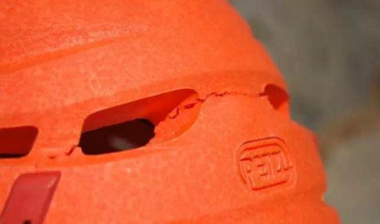 碳纤维头盔以及澳门威尼斯人在线娱乐平台头盔轻量化的迷思