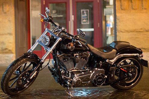 哈雷 Harley-Davidson 突破者®