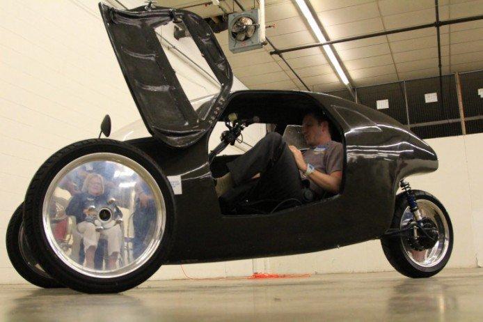 RahtRacer三轮单车时速媲美汽车可上高速公路