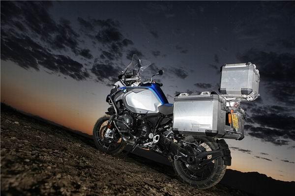 ���RGS系列最出色的�L途穿越摩托�