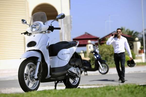 纯正欧式大踏板阿普利亚圣甲虫200售价25800元