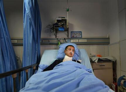 风筝线惊魂:男子骑摩托车遭割喉险丧命