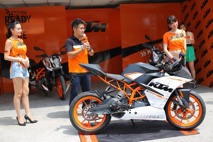 一身橘骨的奥地利猛兽KTMRC390在台发表
