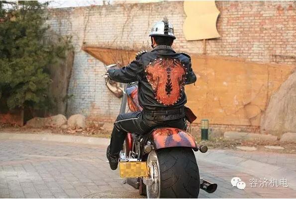 龙行摩托,升华灵魂的艺术