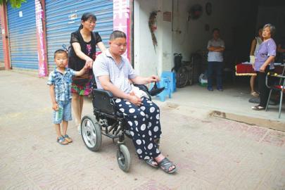 宜宾摩托车校长将生命定格在路上
