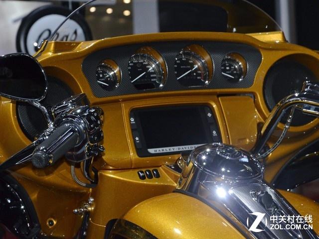 试与汽车争焦点上海车展上的酷感摩托
