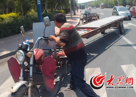 街头现加长摩托拖挂车长15米装5个轮子