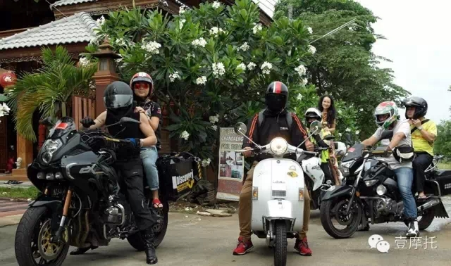 一辆摩托车和一个梦想