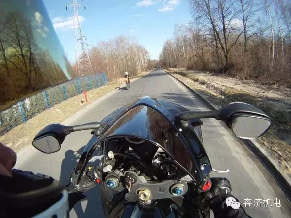 摩托车上高速,有技巧吗?