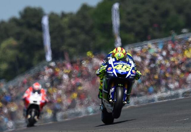 雅马哈MotoGP车队乔治洛伦佐和瓦伦蒂诺罗西战绩辉煌