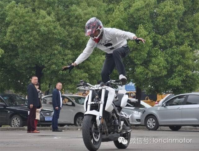 LX650参加徐州摩托吧特技比赛侧记
