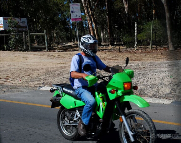 梦见骑摩托车路不通