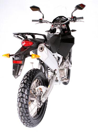 英��新摩托�品牌CCM推出探�U�GP450