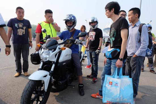 ?#26412;?#22810;品牌大排摩托车试驾会登场