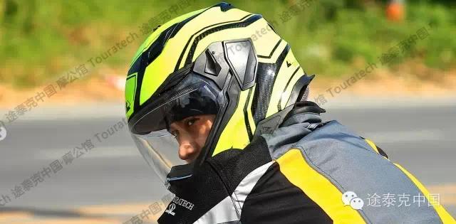 首屈一指的轻量化拉力头盔